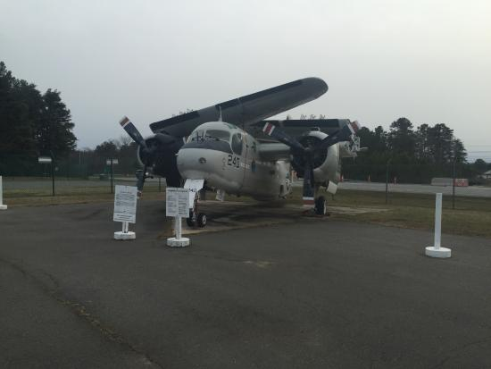Lexington Park, MD: Grumman S-2 Tracker