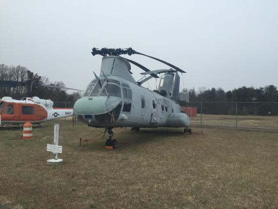 Lexington Park, MD: Boeing CH-46E Sea Knight