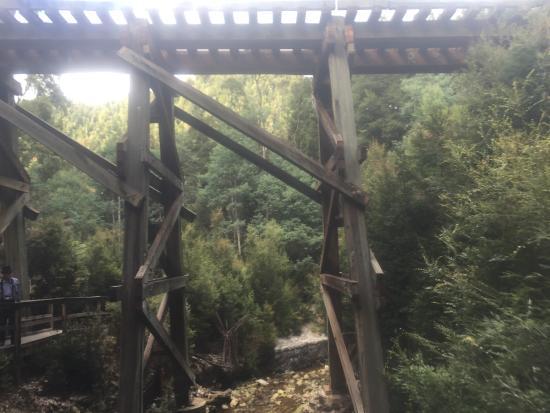 Strahan, Australia: The bridge by Dubbil Barril