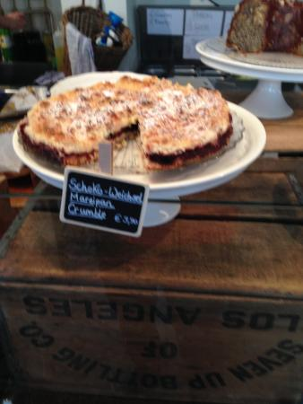 Pure Living Bakery Downtown: Crumble