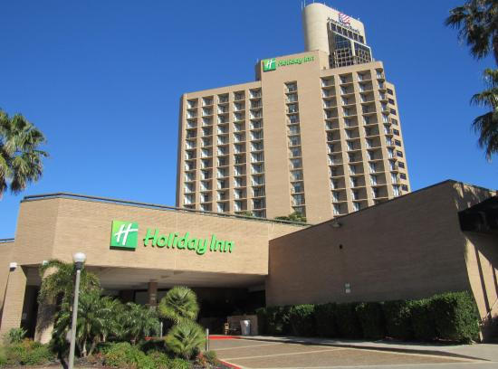 Holiday Inn Corpus Christi Downtown Marina: Check in front entrance