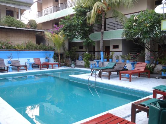Sayang Maha Mertha: Swimming Pool