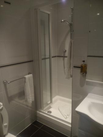 Comfort Inn Buckingham Palace Road: pequeño pero limpio