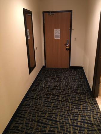 Alamosa, Colorado: The room door, plenty of room for whatever you have brought