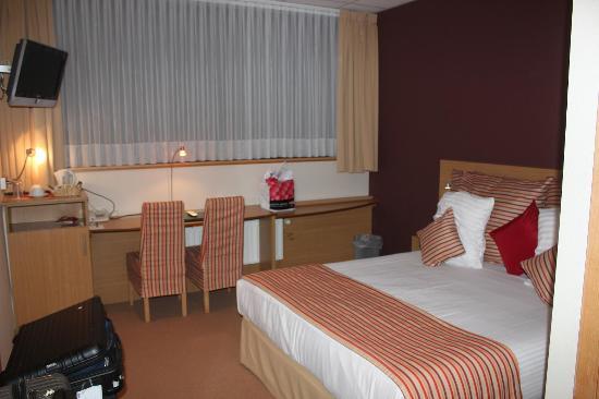 BEST WESTERN Hotel Expo: 客室 手頃な広さ