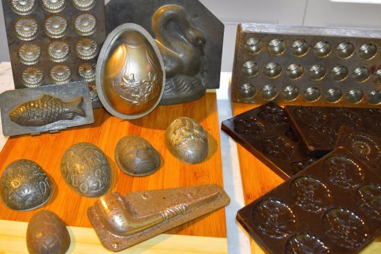 Richmond, Australia: Antique chocolate molds - near the gourmet chocolate treats