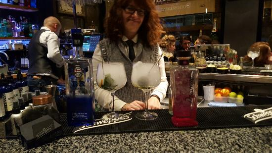 La Gintoneria Donostiarra Bar