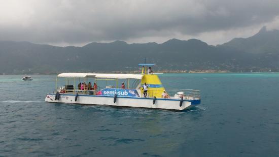Victoria, Seychellene: semi-submersible pour voir les fonds marins