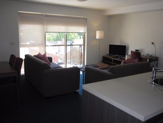 kitchen living area 2 bedroom apartment picture of quest carlton rh tripadvisor co za