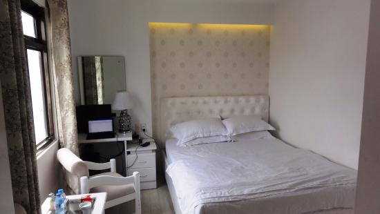 Ordinaire The White Hotel: Room Size 8 Sqm