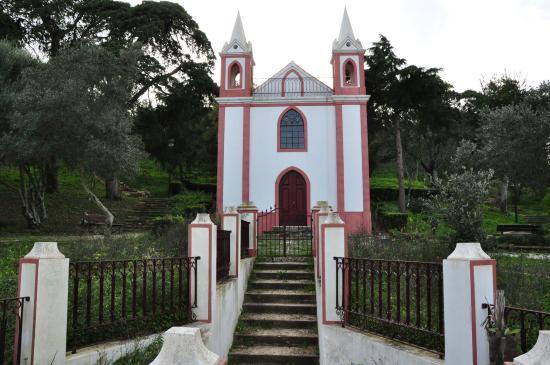 Santiago do Cacem, Portugal: Chapel in the garden.