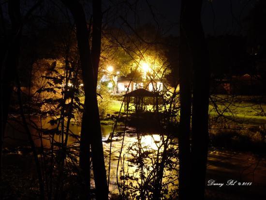 Ext rieur nuit photo de lesse capade resteigne for Exterieur nuit lavilliers