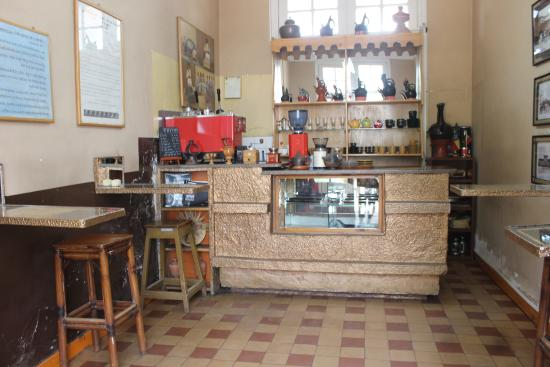 Choche Cafe : Old world charm with original tiling
