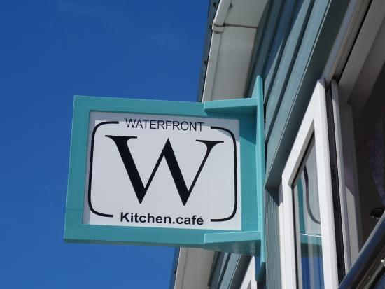 Waterfront.kitchen.cafe: Cafe overlooking the Waterfront in Ort Stanley