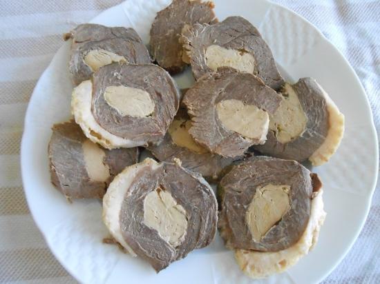 Noulens, Francia: Magret fourré au foie gras, étonnant et délicieux pour les apéros