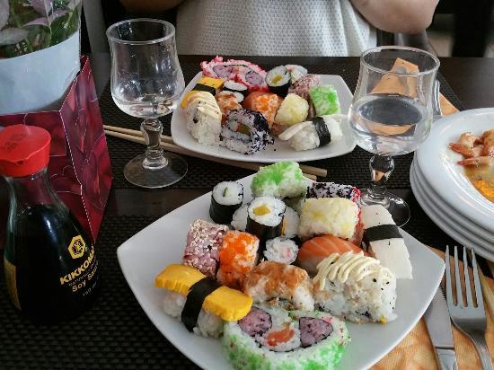 immagine International Restorant Sushi Wok In Terni