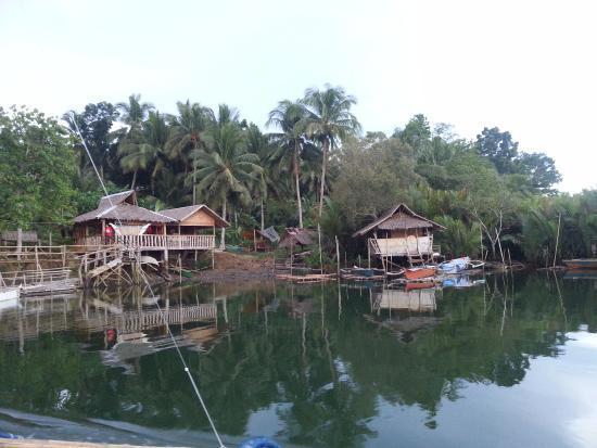 Cortes, Filippinene: Abatan River