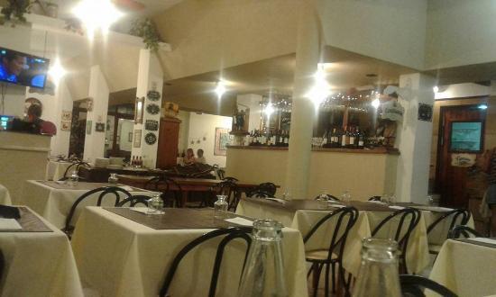 Lavaggi Hotel - Restaurante: hermoso y muy cálido el restaurante