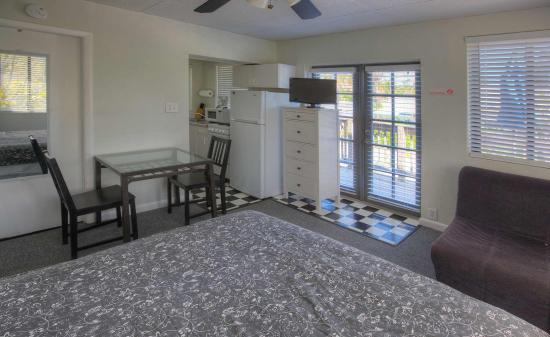 Sabal Palms Inn: Studio Unit