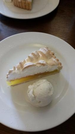 Ash, UK: Lemon meringue with vanilla pod ice cream