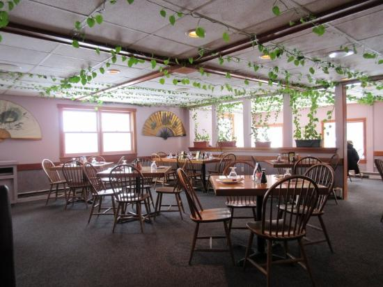 Hillsborough, NH: Dining Room view from the Booths