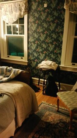 Candlelight Inn Bed & Breakfast: 20160212_184900_large.jpg