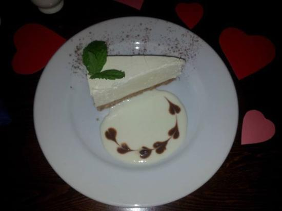 Bishop's Frome, UK: Lovely cheesecake
