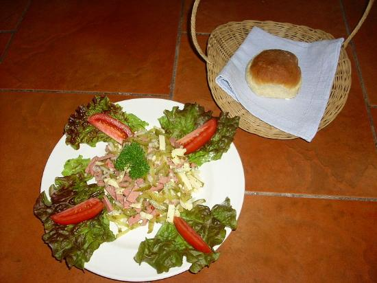 Restaurante Rainbow Village: Sausage Salad