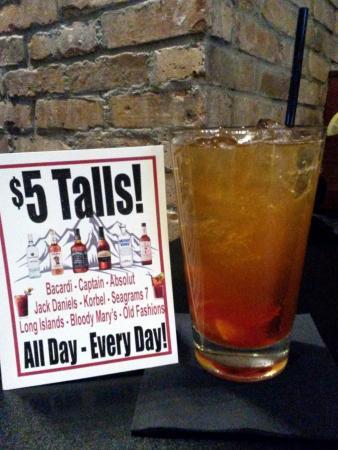 Mukwonago, WI: Good drinks too! :)