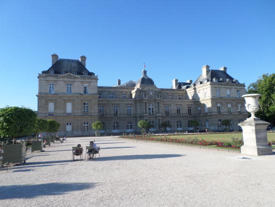 Paris, Frankrig: Фасад Люксембургского Дворца.