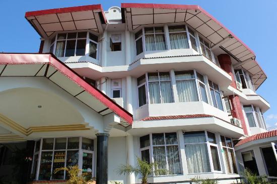 Entrance - Club Mahindra Dharamshala Photo