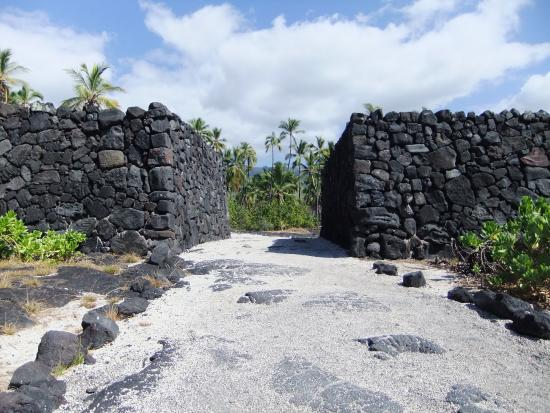 Honaunau, Hawái: 17 foot thick wall around the Refuge