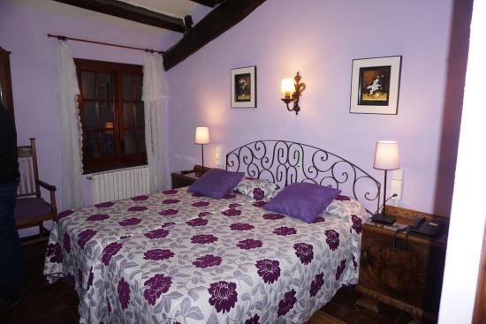 Beuda, Spanien: Dormitorio piscis
