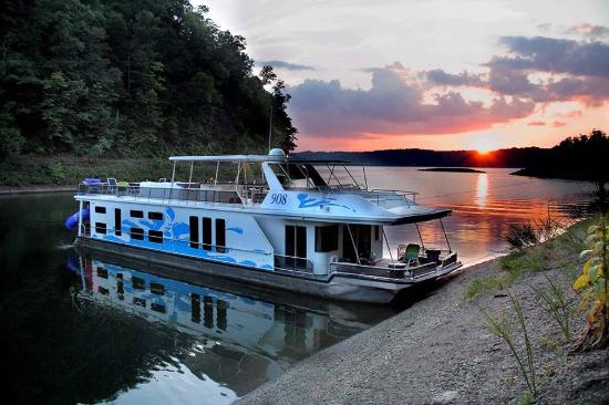 Russell Springs, KY: Lake Cumberland - Houseboat Capital of the World