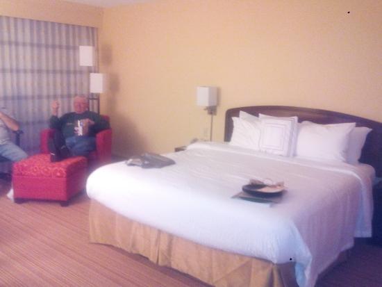 Courtyard Tampa Brandon: Room w/ 1 King Bed