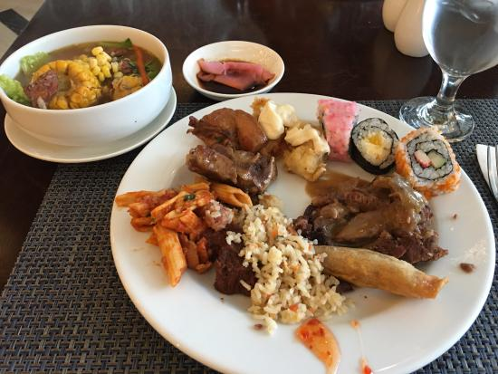 the lunch buffet picture of harolds hotel cebu city tripadvisor rh tripadvisor co za