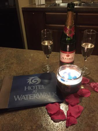 Hotel At WaterWalk 사진