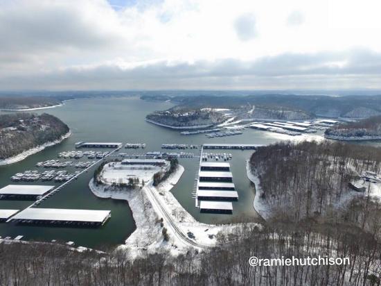 Winter view of Jamestown Marina - Picture of Lake Cumberland