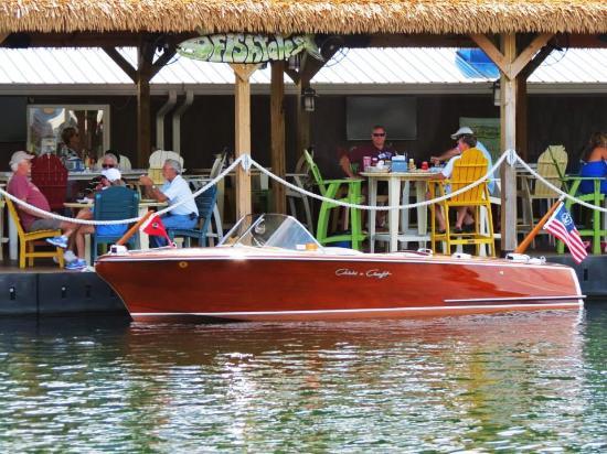Russell Springs, KY: Wolf Creek Marina FishTales Restaurant