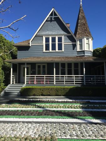 Santa Monica Conservancy- Walking Tours of Downtown