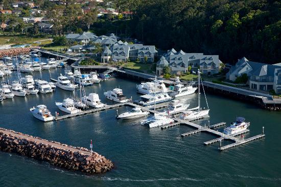 anchorage port stephens marina picture of port stephens. Black Bedroom Furniture Sets. Home Design Ideas