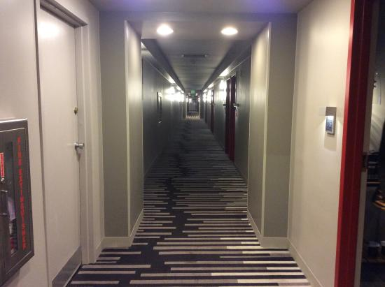 hallways all identical looking picture of pier 2620 hotel rh tripadvisor com au