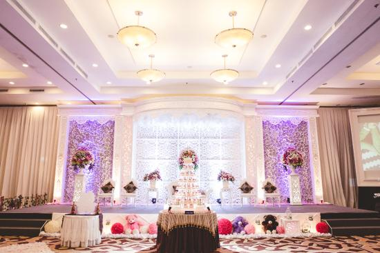 Wedding reception area picture of aston bogor hotel and resort aston bogor hotel and resort function room fully decorated junglespirit Images