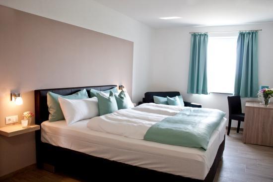 Eitting, Alemania: Doppelzimmer mit Schlafsofa
