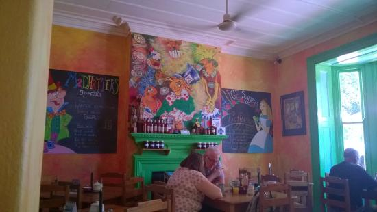 Madhatters Coffee Shop: Quirky interior