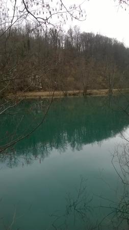 Duga Resa, Хорватия: Mrežnica river,Keići