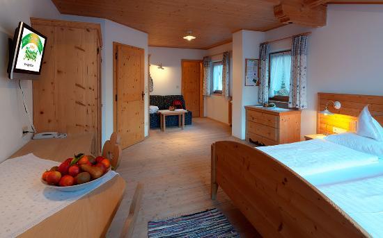 Geniesser und wanderhotel j gerhof bewertungen fotos for Zimmer 0 studios elda