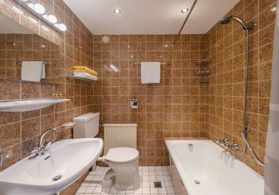 Baerenwirth - Hotel: Badezimmer
