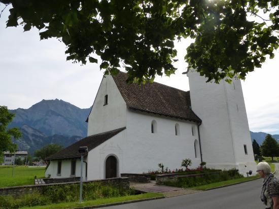 Bad Ragaz, Suiza: Kapelle St. Leonhard Eingang Westseite