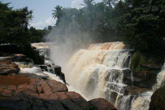 Republic of the Congo: Loufoulakari falls